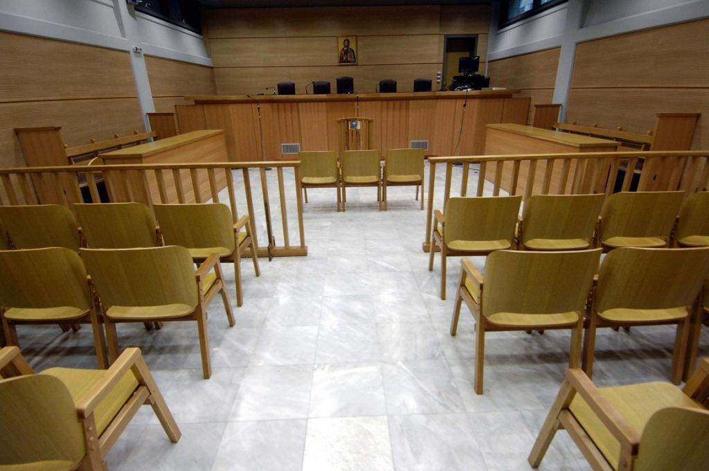 Εξαίρεση από το μέτρο της απαγόρευσης κυκλοφορίας ζητούν οι Εισαγγελείς