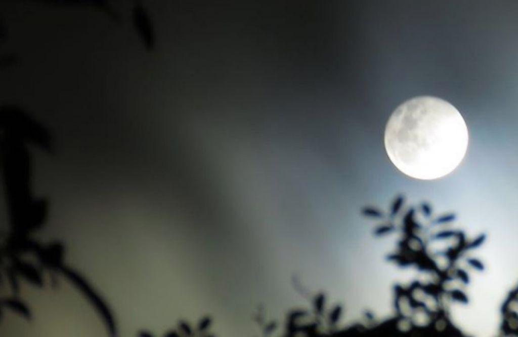 Υπερπανσέληνος: Πότε θα είναι ορατή η «πανσέληνος των σκουληκιών»