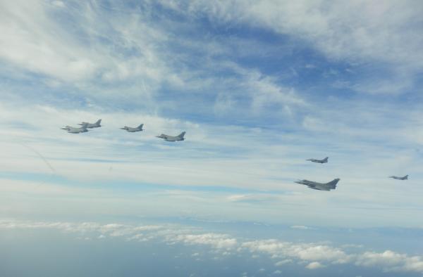 Πτήσεις συνεκπαίδευσης ελληνικών F-16 και γαλλικών Rafale 5