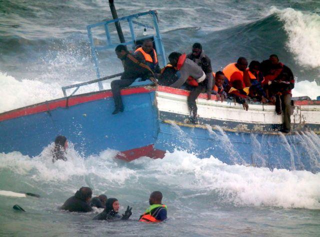 Πλοίο με πρόσφυγες φέρεται ότι βυθίστηκε ανοιχτά της Μάλτας – Αγωνία για την τύχη 250 ανθρώπων | in.gr