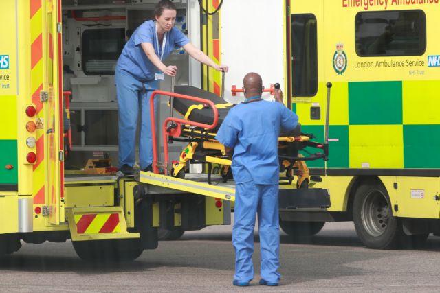Κοροναϊός : Φρίκη στη Βρετανία – 936 νεκροί σε μια ημέρα