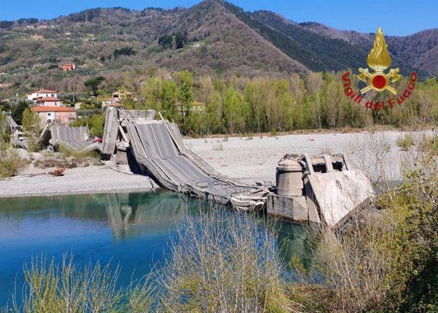 Γέφυρα κατέρρευσε στην Ιταλία – Δεν υπήρξαν θύματα λόγω της απαγόρευσης κυκλοφορίας | in.gr
