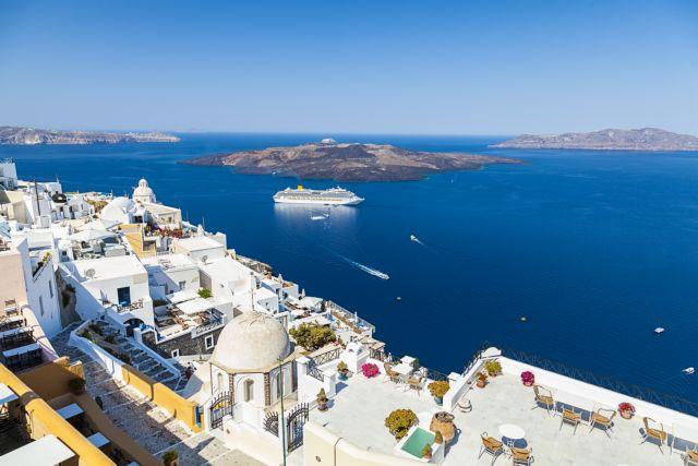 Κοροναϊός – Economist : Τρομακτικό το πλήγμα στον ελληνικό τουρισμό