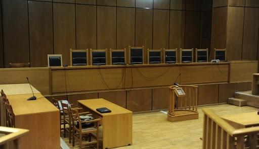 Κοροναϊός : Το 50% του μισθού τους δίνουν οι δικαστικοί λειτουργοί