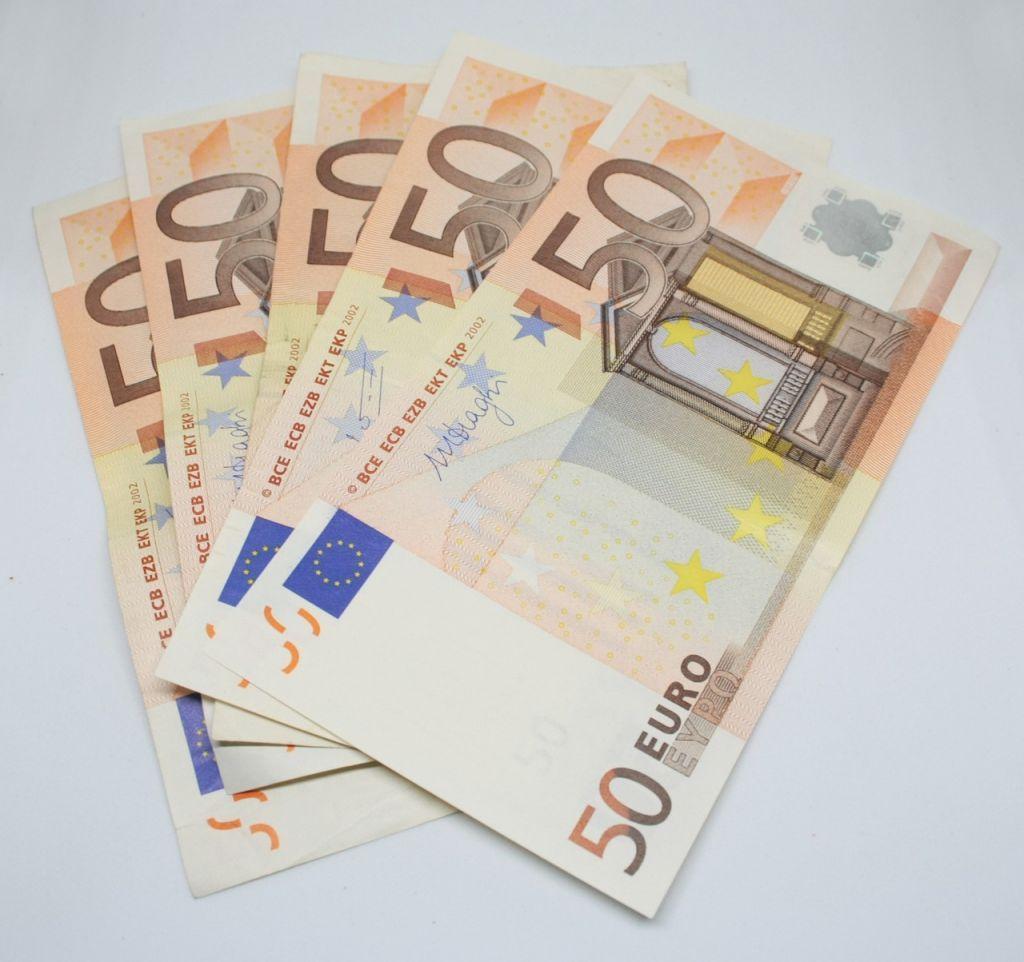 ΑΑΔΕ : Επιστροφές φόρων για την τόνωση της ρευστότητας των επιχειρήσεων