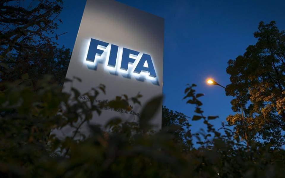 Αλλαγή σκηνικού : Η FIFA επεκτείνει επ' αόριστον την τρέχουσα σεζόν