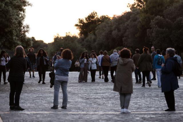 Κοροναϊός : Η χώρα έδωσε το πρώτο τεστ  – Από τι θα κριθεί η επιστροφή στην κανονικότητα