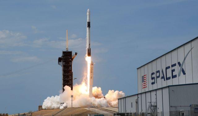 Ιστορική στιγμή: Οι αστροναύτες της NASA έφτασαν στον Διεθνή Διαστημικό Σταθμό