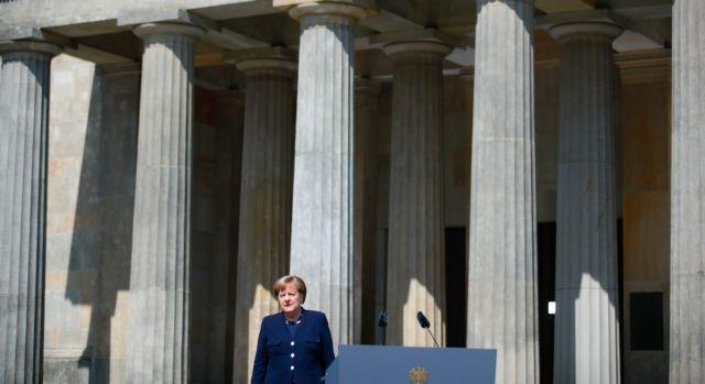 Μαλτέζος πρέσβης σύγκρινε τη Μέρκελ με το Χίτλερ – Αναγκάστηκε να παραιτηθεί