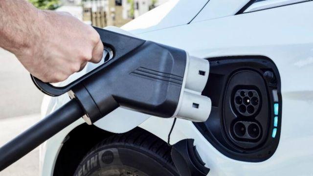 Έρχονται κίνητρα για την ηλεκτροκίνηση-Όχι μόνο στα αυτοκίνητα | in.gr