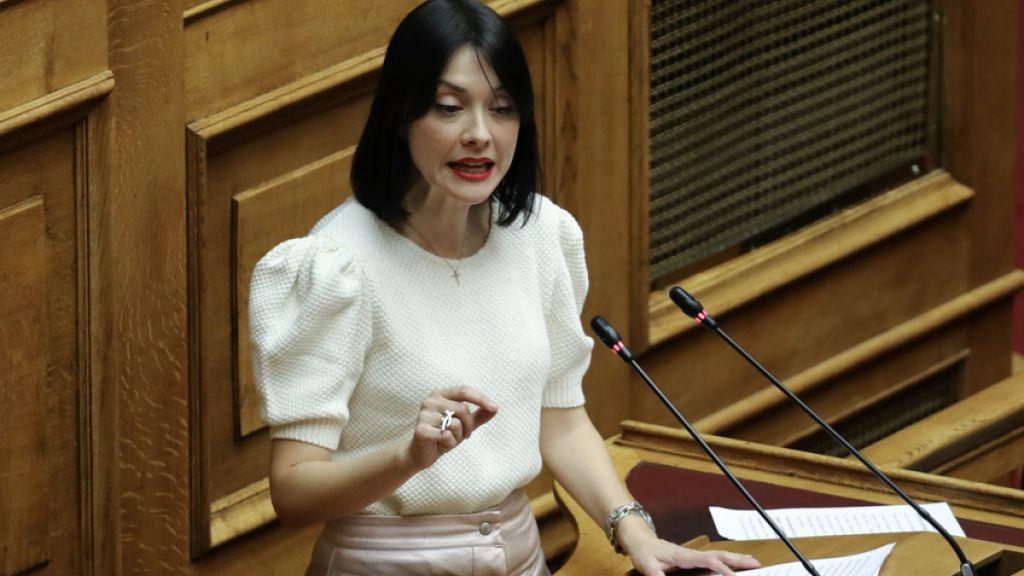 Η Νάντια Γιαννακοπούλου απαντά για τα... «γαλλικά» κατά της Νίκης Κεραμέως  | in.gr