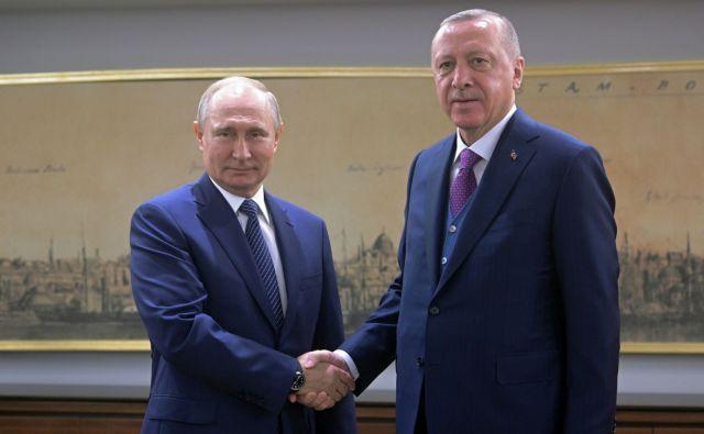 Μήνυμα Πούτιν σε Ερντογάν: Να τερματιστούν οι εχθροπραξίες στη Λιβύη