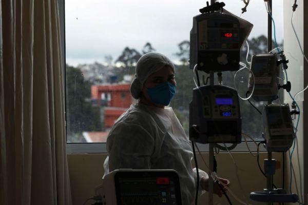 Ντελίριο των ΜΕΘ βιώνουν ένας στους δύο ασθενείς κοροναϊού