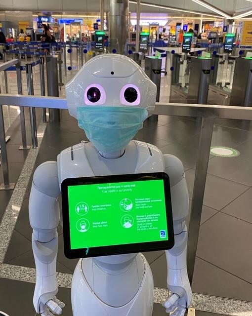 Κοροναϊός : Ρομπότ ενημερώνουν το επιβατικό κοινό στο Ελ. Βενιζέλος