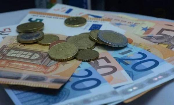 Νέα ανατροπή με τα αναδρομικά – Τι πρέπει να περιμένουν οι συνταξιούχοι