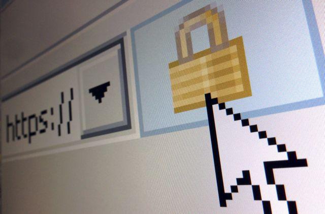Ανθούν οι διαδικτυακές απάτες την περίοδο του lockdown