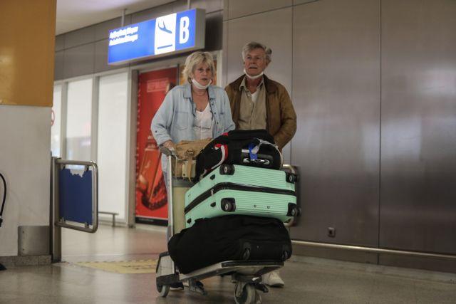 Κοροναϊός: Έκτακτο σχέδιο διαχείρισης των τουριστών – Πώς θα γίνεται η μεταφορά των εισαγόμενων κρουσμάτων