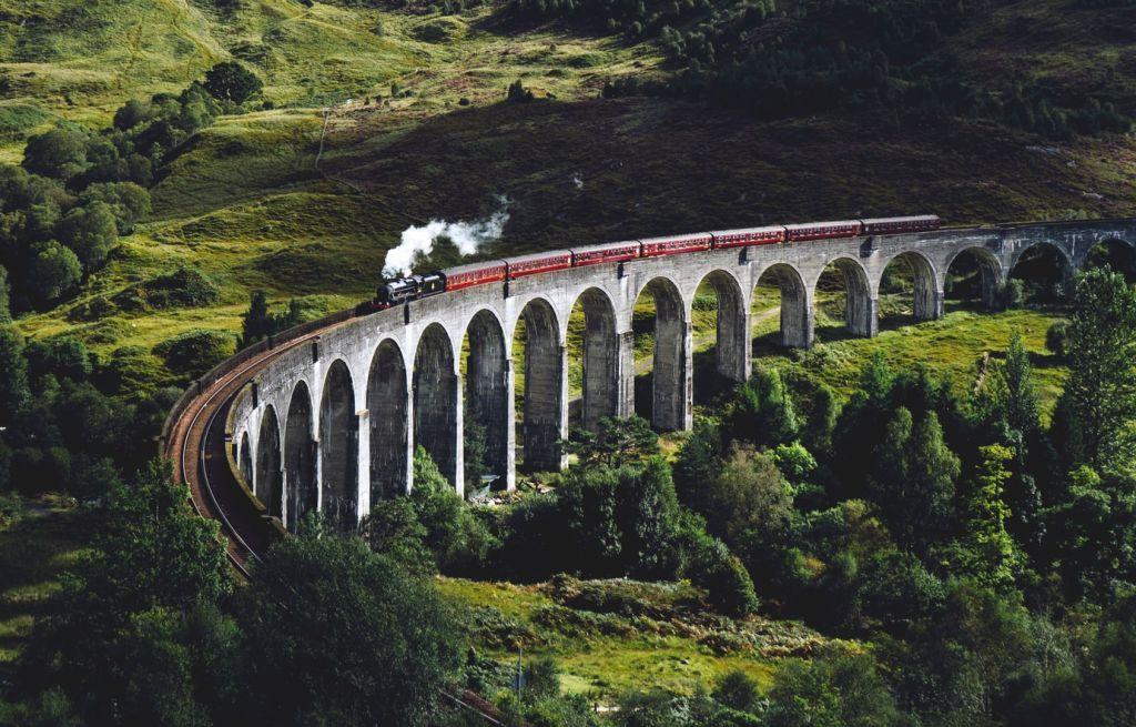 Κοροναϊός και οικολογία «ανέστησαν» τα ταξίδια με το τρένο