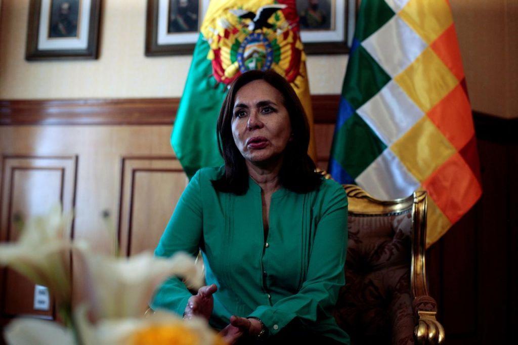 Ο κοροναϊός σχημάτισε… κυβέρνηση στη Βολιβία : Μολύνθηκαν η πρόεδρος, έξι υπουργοί και αρκετοί υφυπουργοί