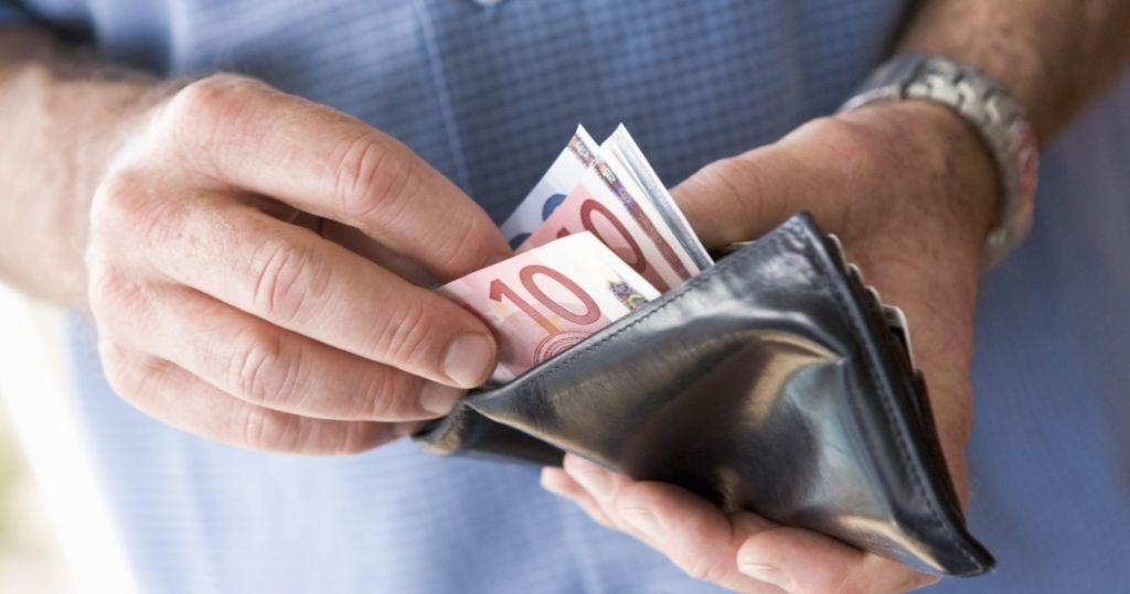 ΕΛΣΤΑΤ: Πτώση 0,4% κατέγραψε το εισόδημα των νοικοκυριών