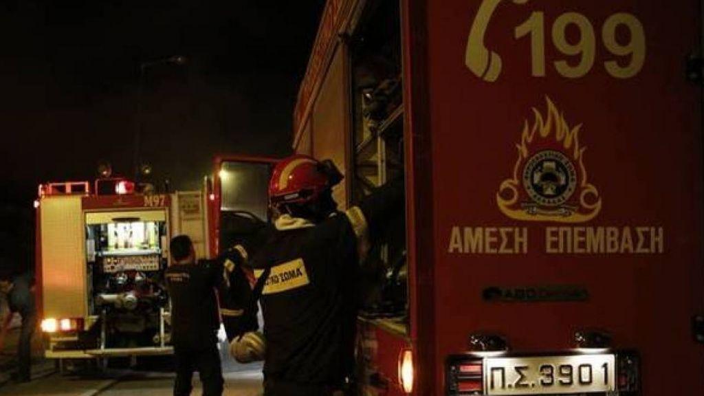 Στις φλόγες κατάστημα επί της Πατησίων στα Κάτω Πατήσια