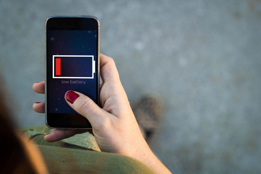 Το λάθος που «σκοτώνει» την μπαταρία του κινητού μας