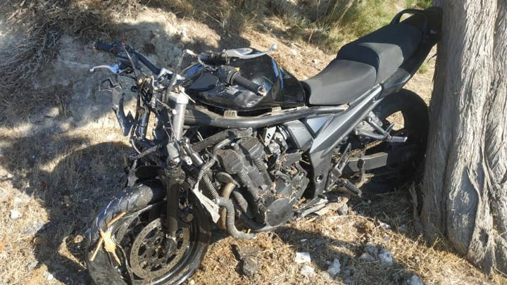 Τραγωδία στη Ρόδο : Νεκρός 27χρονος οδηγός μηχανής – Επεσε σε δέντρο (εικόνες)