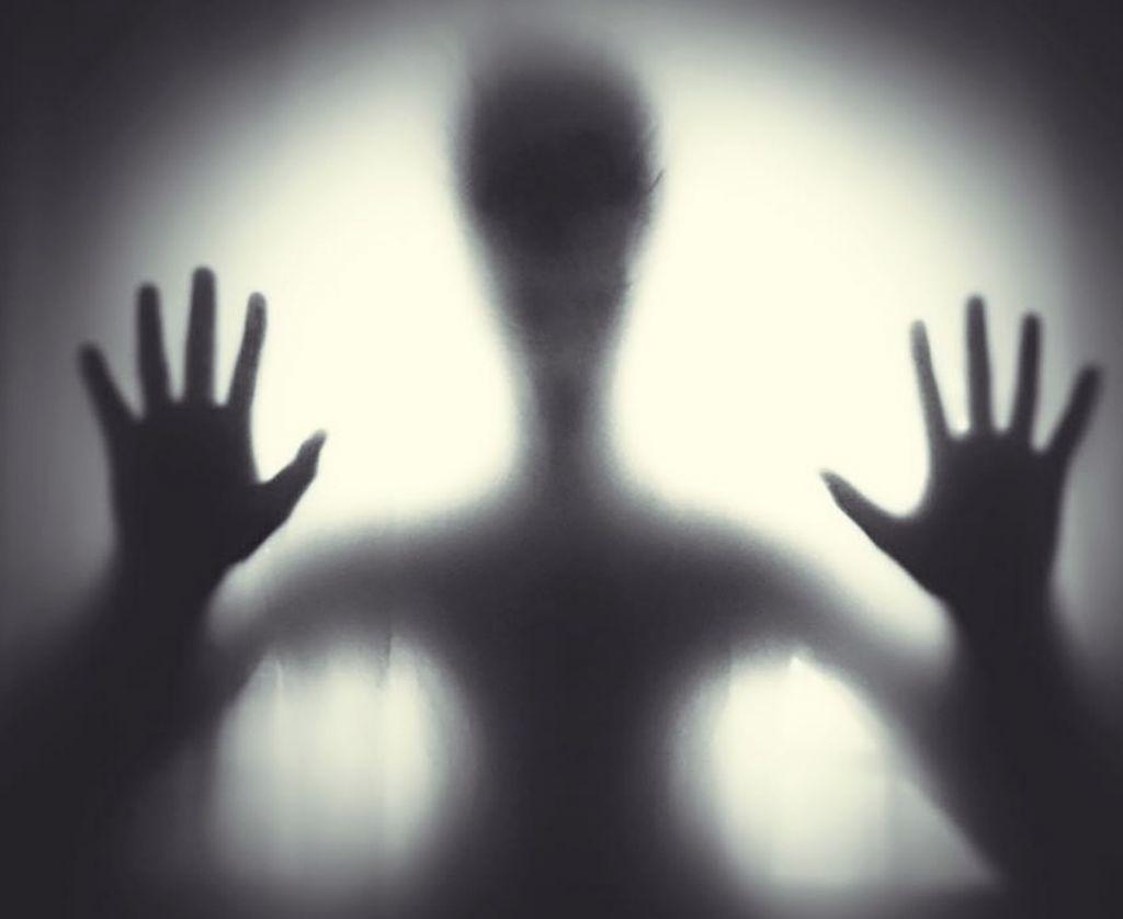 Τρομακτικά βίντεο με φαντάσματα: Μην τα δείτε αν θέλετε να «κλείσετε μάτι» το βράδυ
