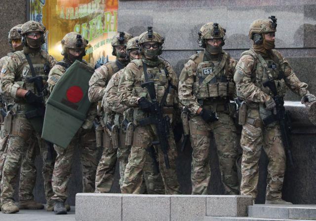 Αίσιο τέλος στο Κίεβο: Συνελήφθη ο δράστης που κράτησε όμηρο – Απειλούσε με εκρηκτικό μηχανισμό