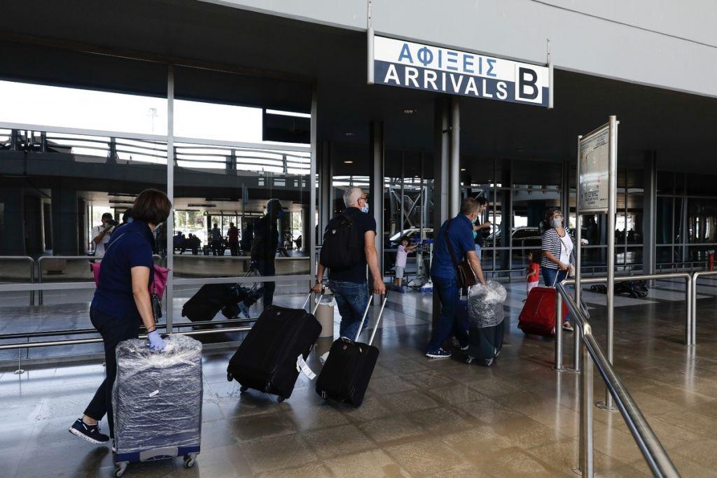 Κοροναϊός: Τεστ μοριακής ανίχνευσης στο αεροδρόμιο «Μακεδονία»