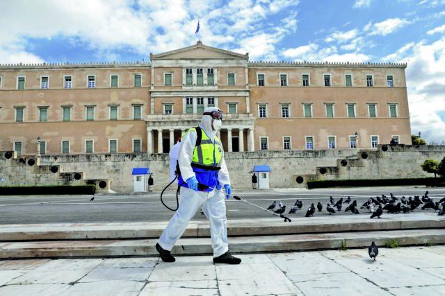 Κοροναϊός : Τρομάζει η πορεία της πανδημίας – Σε χειρότερο μήνα αναδεικνύεται ο Αύγουστος