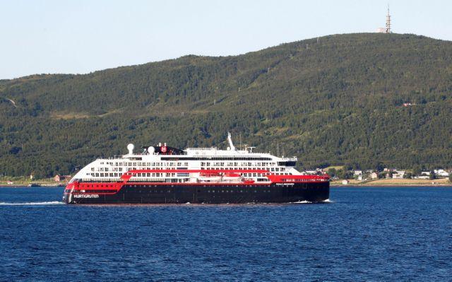 Κοροναϊός : Συρροές κρουσμάτων σε δύο κρουαζιερόπλοια λίγο μετά την έναρξη των ταξιδιών