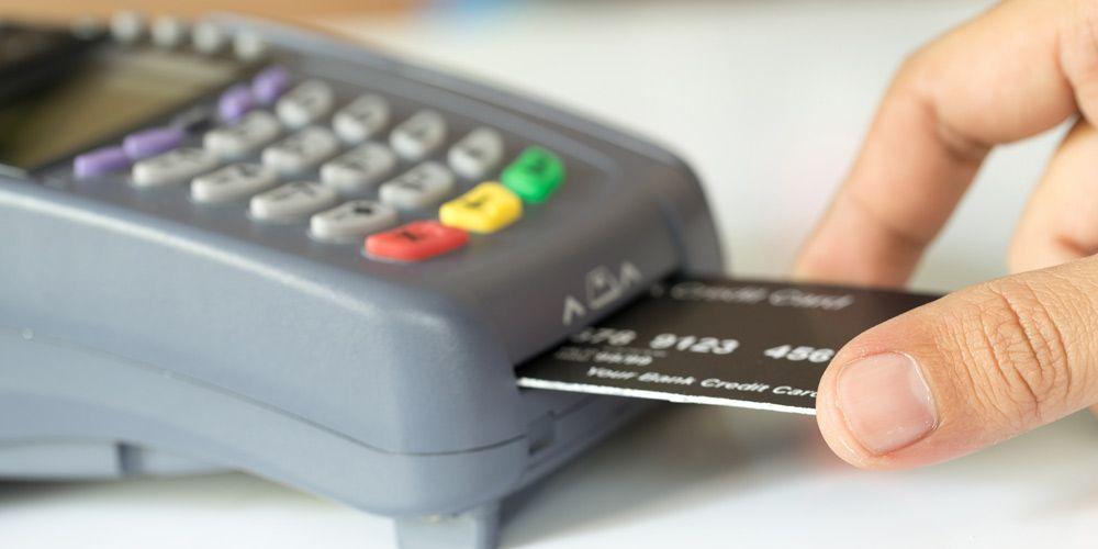 Ηλεκτρονικές αποδείξεις: Οι «παγίδες» και μυστικά για να γλιτώσετε έξτρα φόρους