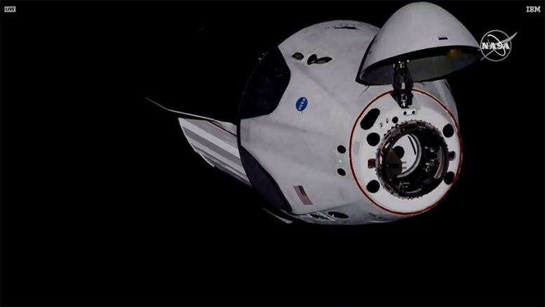 NASA : Η κάψουλα Dragon Endeavour της SpaceX επιστρέφει στη Γη