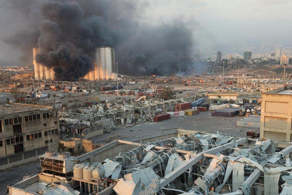 Εκρήξεις στη Βηρυτό : Χτυπήθηκε πολεμικό πλοίο του ΟΗΕ – Κυανόκρανοι σοβαρά τραυματισμένοι