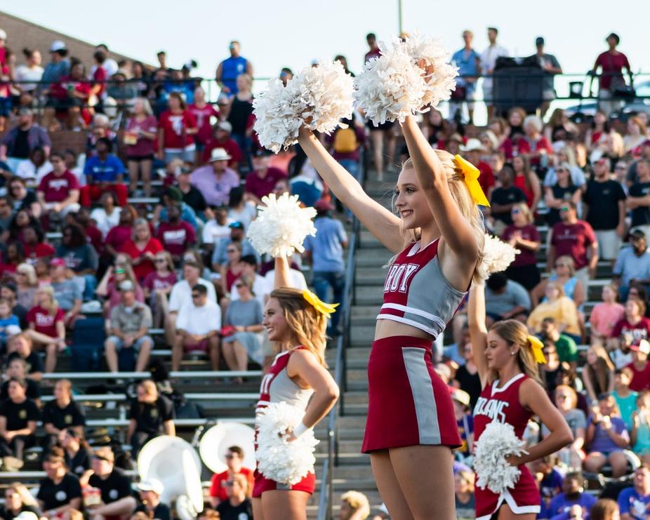 Το cheerleading στα ελληνικά σχολεία – Όλα όσα πρέπει να ξέρεις για το αγαπημένο άθλημα των Αμερικανίδων