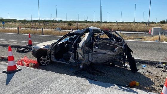 Εικόνες – σοκ από το σημείο του δυστυχήματος – Είχαν στοιβάξει 12 άτομα στο μοιραίο ΙΧ