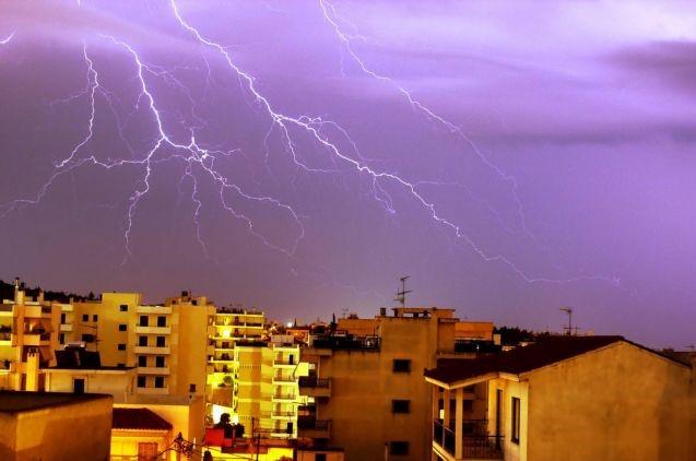 Χαλάει ο καιρός: Πού θα χτυπήσει η «Θάλεια» – Πότε θα υποχωρήσουν τα έντονα φαινόμενα