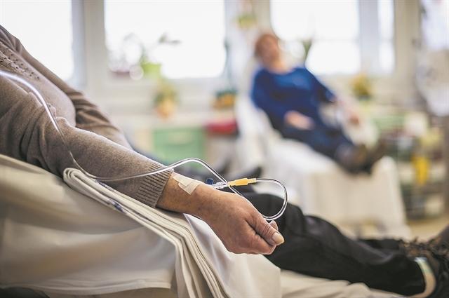 Κοροναϊός και καρκίνος: «Ακτινογραφώντας» τη συνύπαρξη
