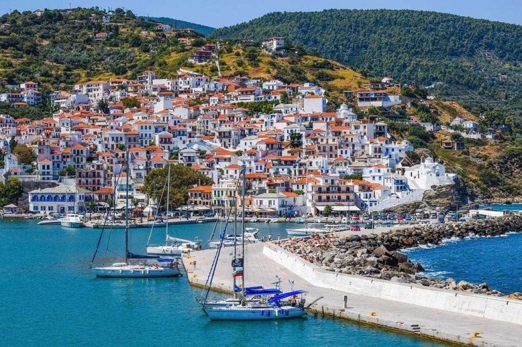 Travel & Leisure: Η Σκόπελος ανάμεσα στα καλύτερα «μυστικά» νησιά του κόσμου