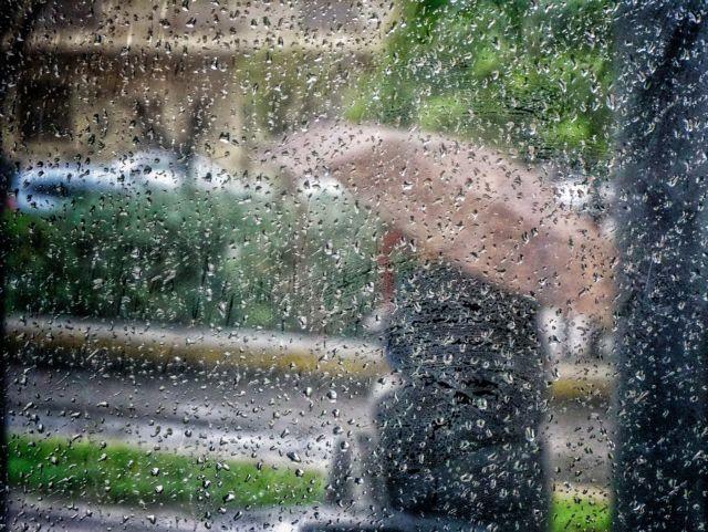 Καιρός : Τοπικές βροχές και καταιγίδες – Σε ποιες περιοχές θα σημειωθούν