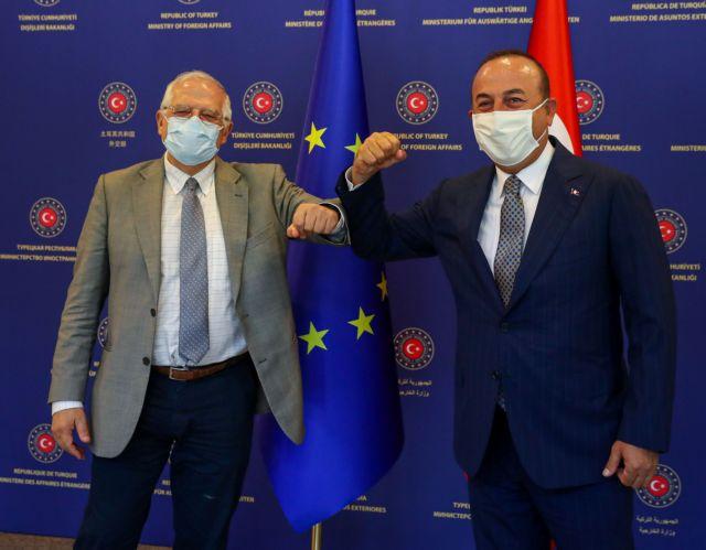 Συνομιλία Μπορέλ – Τσαβούσογλου λίγο πριν τη Σύνοδο Κορυφής της ΕΕ