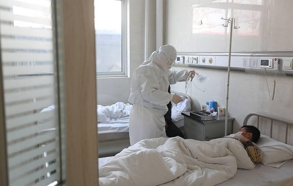 Κοροναϊός : Ένας άνθρωπος χάνει τη ζωή του κάθε 16 δευτερόλεπτα, σύμφωνα με το Reuters