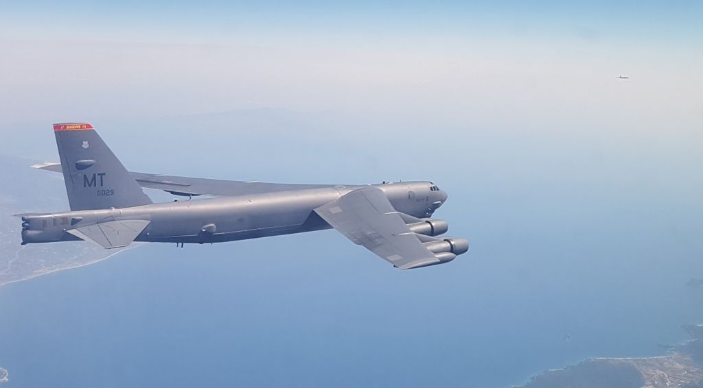 Ελληνικά F-16 συνόδεψαν ξανά αμερικανικά βομβαρδιστικά B-52