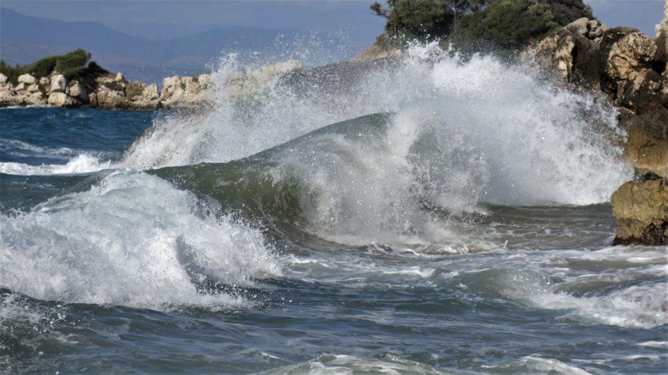 «Ιανός» : Οι 3 βασικές οδηγίες προστασίας από τον κυκλώνα