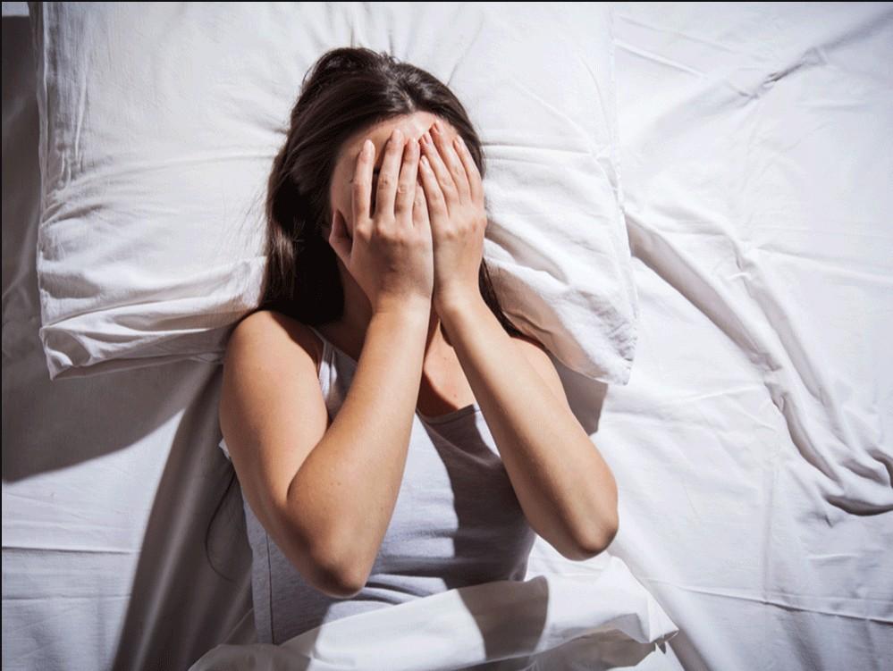 Ο κοροναϊός «στοιχειώνει» τα όνειρά μας και καταστρέφει τον ύπνο μας