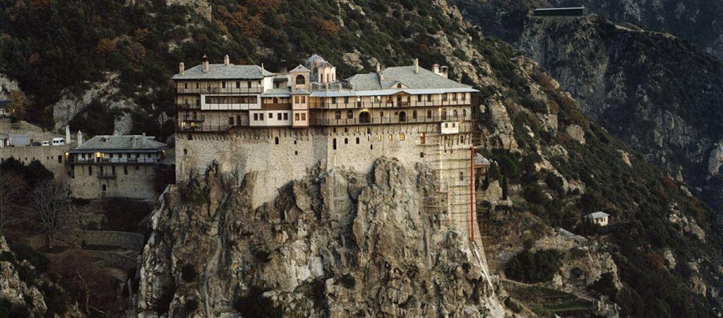 Σύσκεψη στο Άγιο Όρος με τη συμμετοχή Τσιόδρα – Πιθανό lockdown
