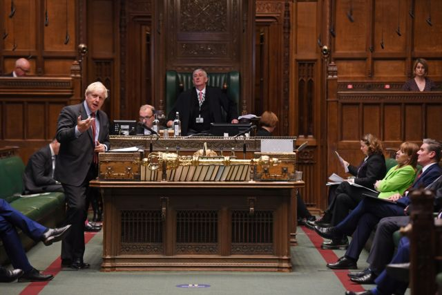 Βρετανία: Απετράπη «ανταρσία» των Τόρις – Έξαλλος ο πρόεδρος της Βουλής με Τζόνσον