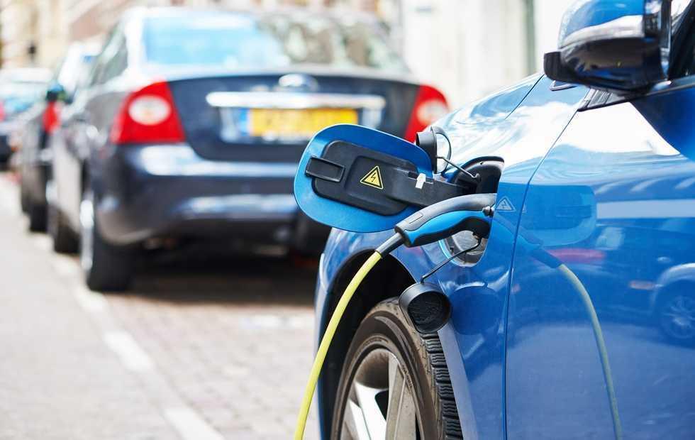 Κινούμαι ηλεκτρικά: 5.000 αιτήσεις σε μόλις 15 ημέρες – Τι αγοράζουν οι καταναλωτές