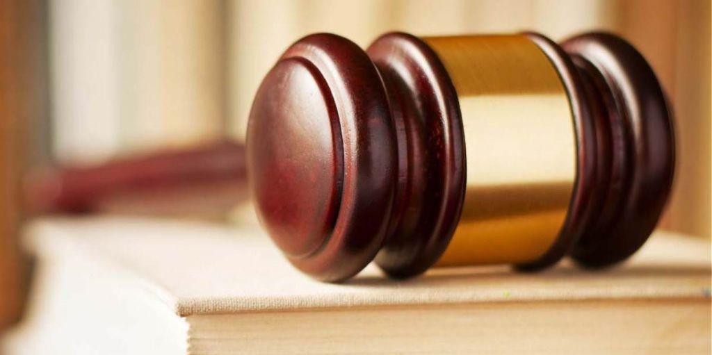 Μεγαλογιατρός συνελήφθη στην Αθήνα για φακελάκι 2.000 ευρώ
